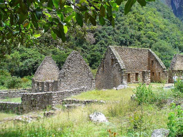 Restos de estructuras Incas