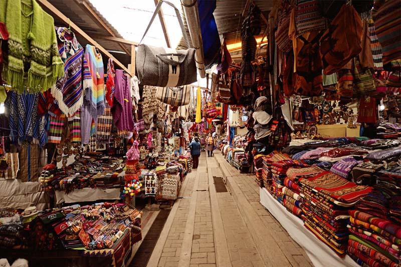 Shopping a Cusco