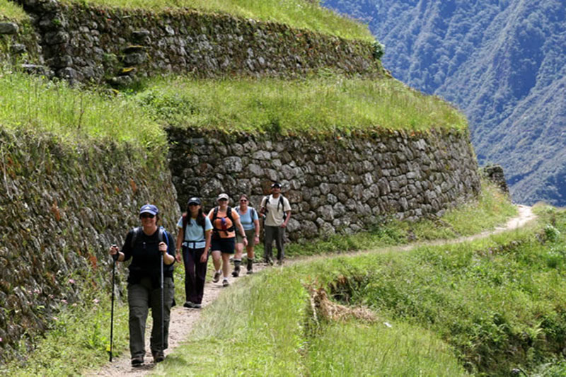 Tourists on the Inca Trail