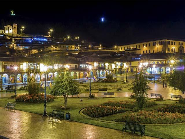Casonas de la plaza principal del Cusco