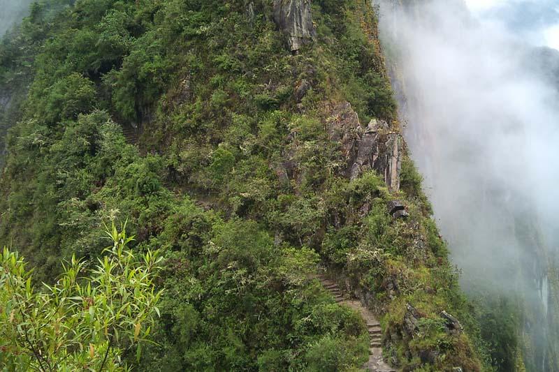 Road in Huayna Picchu