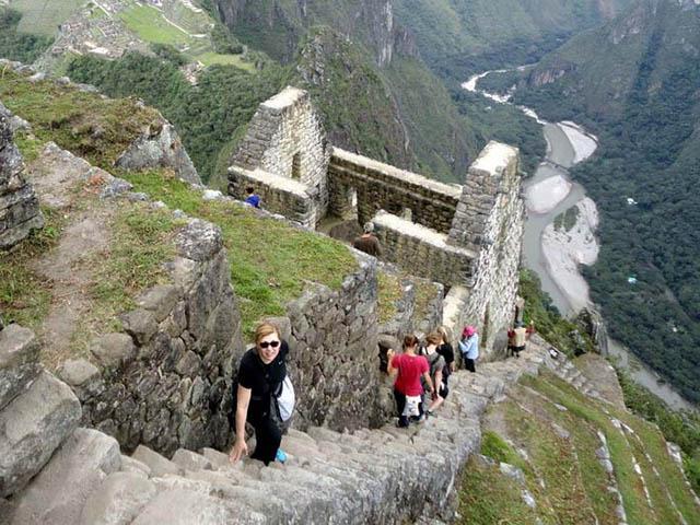 El rio Urubamba desde la cima del Huayna Picchu