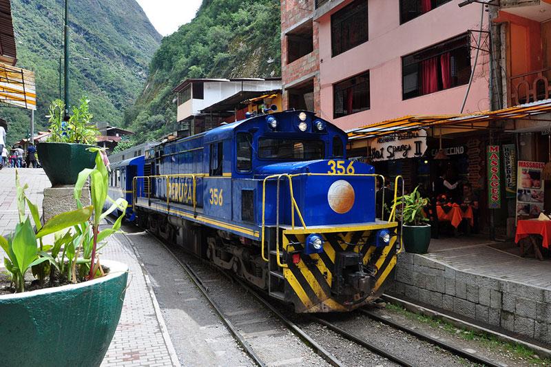 Retorno de trem Machu Picchu para Ollaytambo