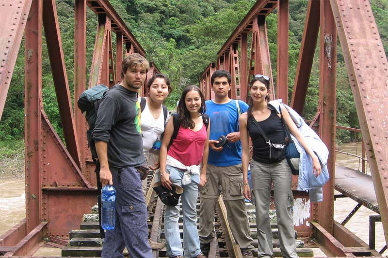 Tourists along Santa Maria route