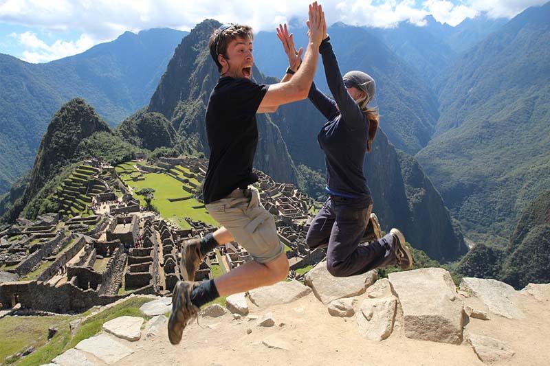 Salto en Machu Picchu