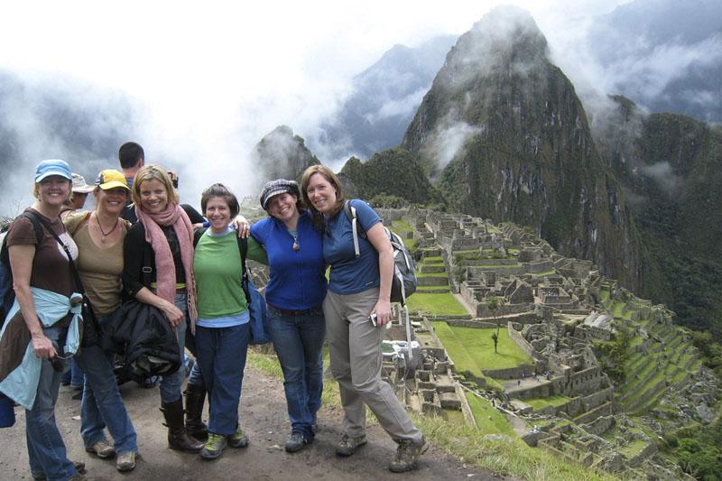 Visitando Machu Picchu con amigas