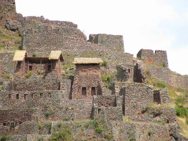 Estructuras incas en Pisac