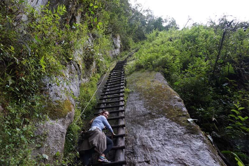 Escalando la montaña Putucusi