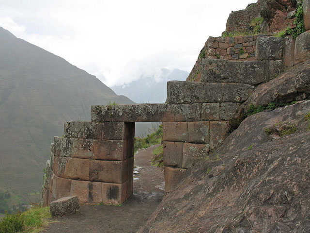 Puerta de Ingreso - Pisac