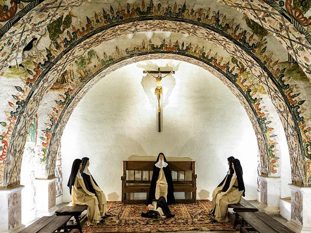 Convento de Santa Catalina - Hermosa Sala Capitular representa la vegetación Inca