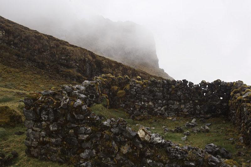 Hallan nueva necrópolis inca