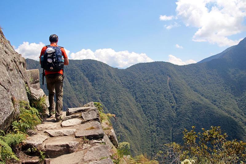 senderismo montaña de huayna Picchu