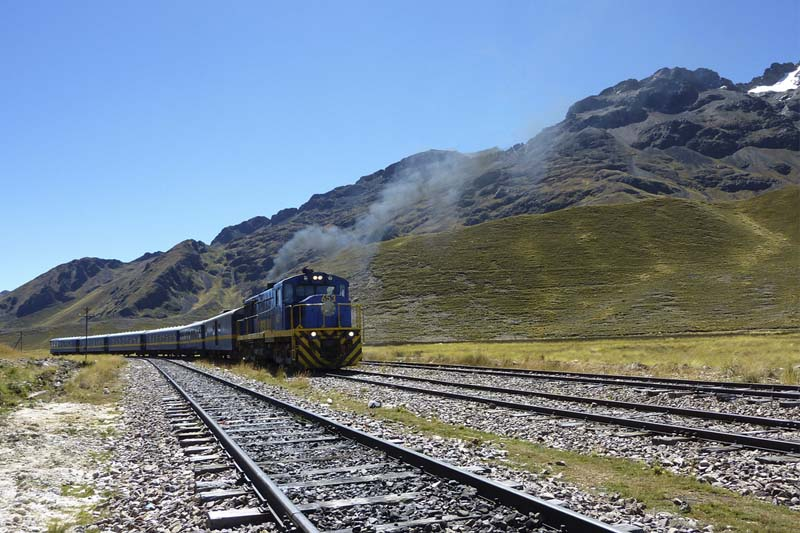 Andean Explorer train that makes the beautiful route Cusco - Puno