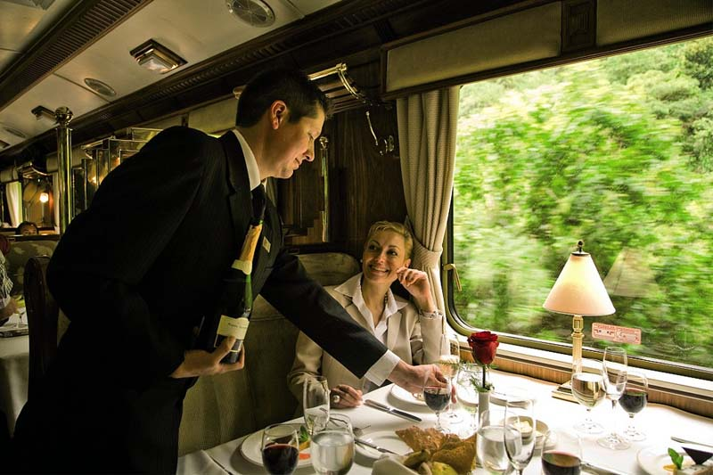Luxury service on the Hiram Bingham train