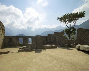 La Plaza Sagrada de Machu Picchu