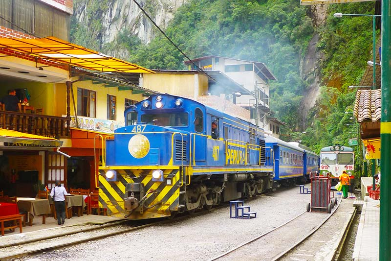 Train in Aguas Calientes