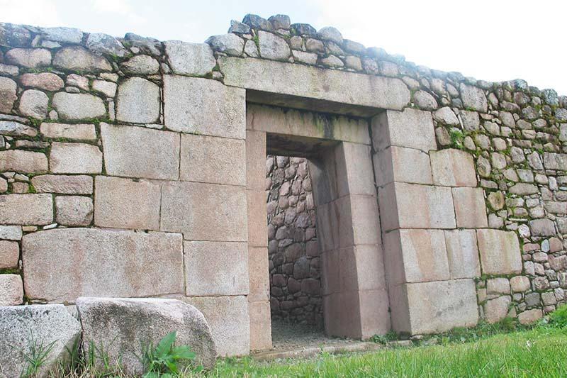 Puerta inca en Vilcabamba