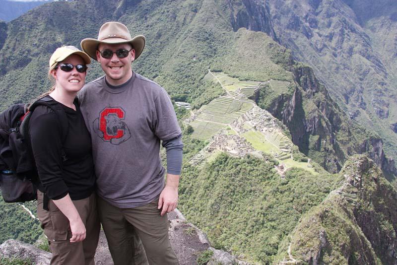 Turistas en la cima del Huayna Picchu