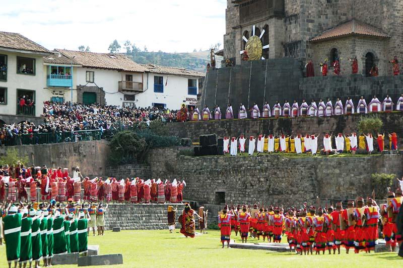 Fiesta del Inti Raymi en el Qoricancha