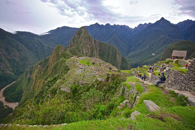Vista panoramica del santuario historico de Machu Picchu