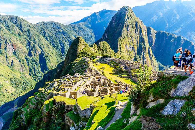 Hermosa vista de la ciudad inca de Machu Picchu