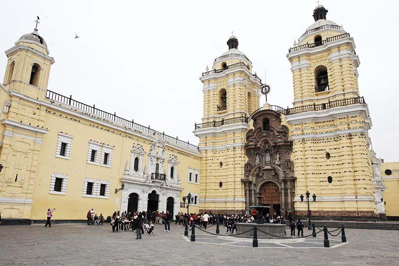 Vista del Monasterio de San Francisco en Lima