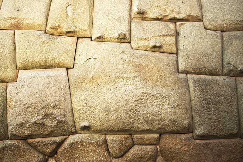 La Piedra de los doce angulos en Cusco