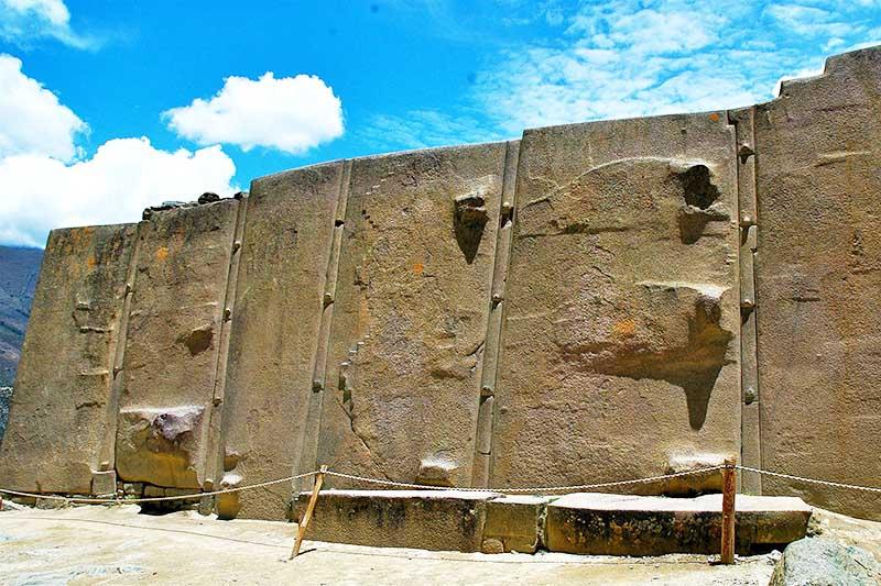 Restos del Templo del Sol en Ollantaytambo