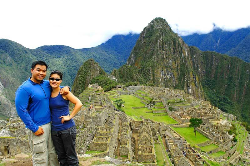 Pareja de esposos en Machu Picchu