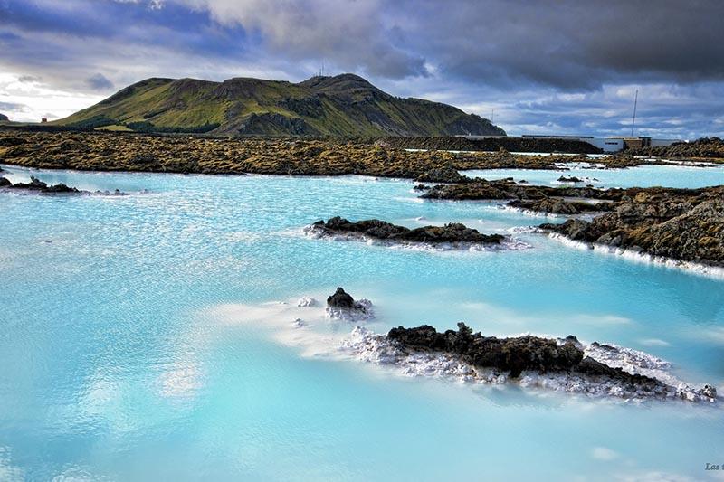 Vista de la Laguna Azul en Islandia