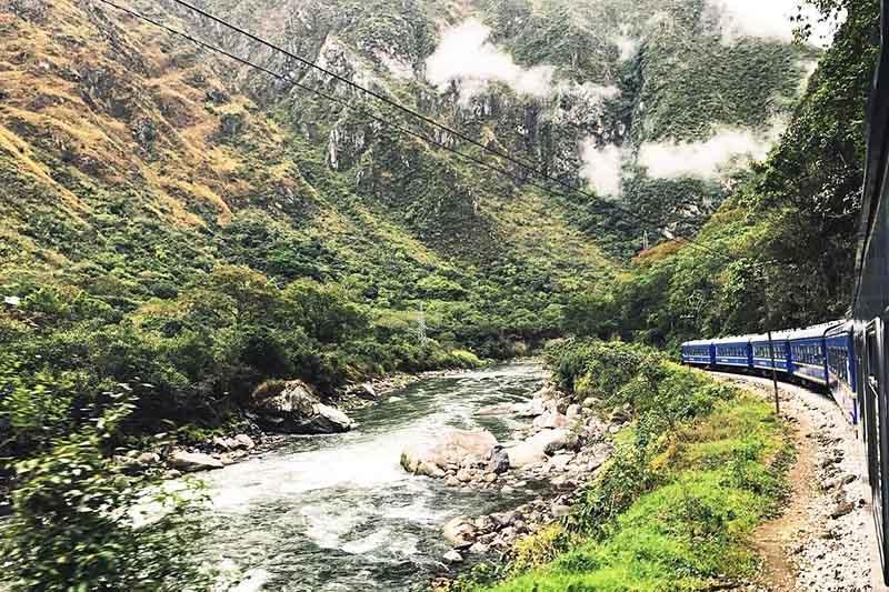 Tren con destino a Machu Picchu