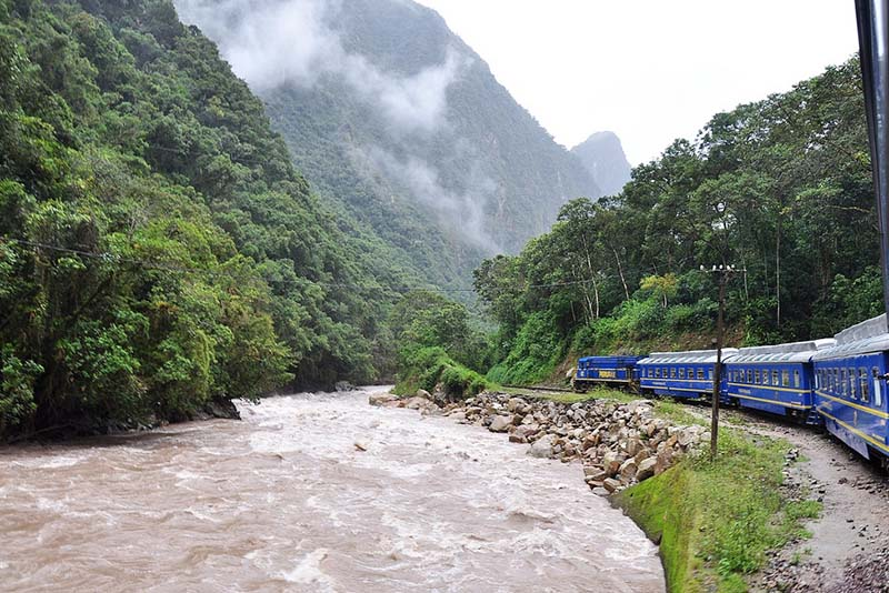 Things to take if you travel to Machu Picchu by train