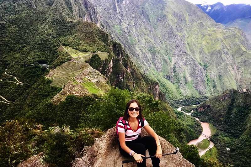 Cima del Huayna Picchu al terminar el recorrido de subida por esta increíble montaña