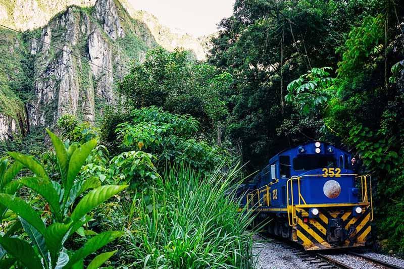 Tren hacia Machu Picchu