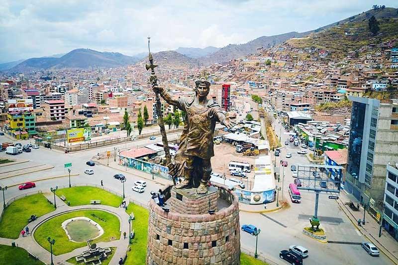 Monumento inca Pachacutec vista desde el aire