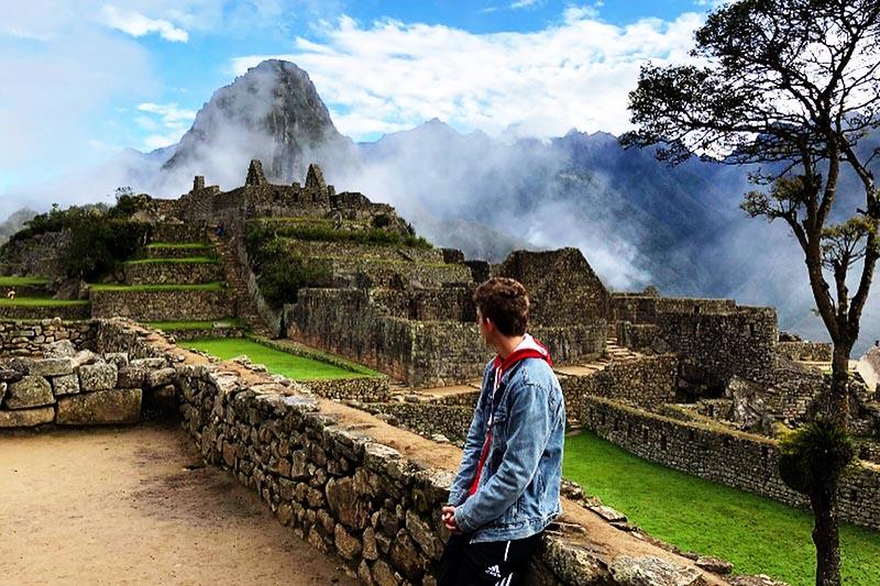 Vista de las calles de Machu Picchu