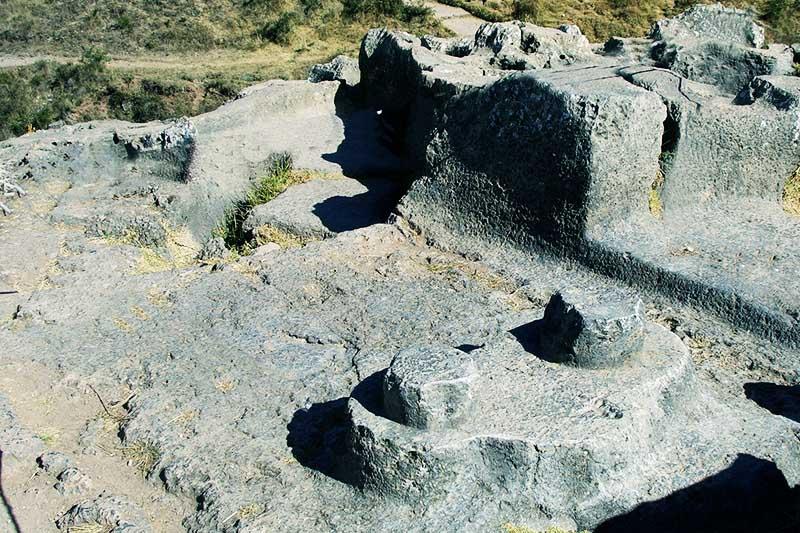 Vista del Intihuatana de Qenqo