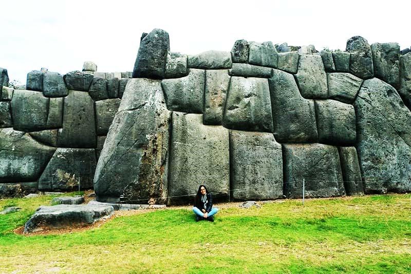 Muros de piedra gigantescos encontrados en Sacsayhuaman