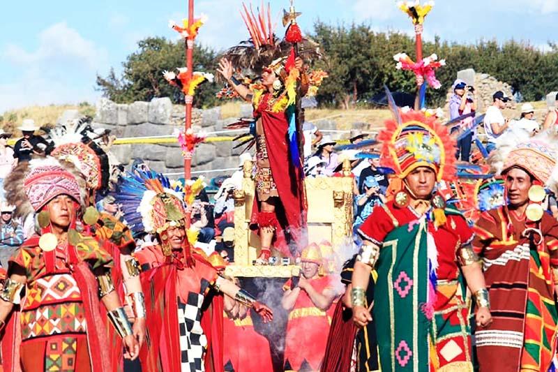 Der Inka auf der Inti Raymi Party