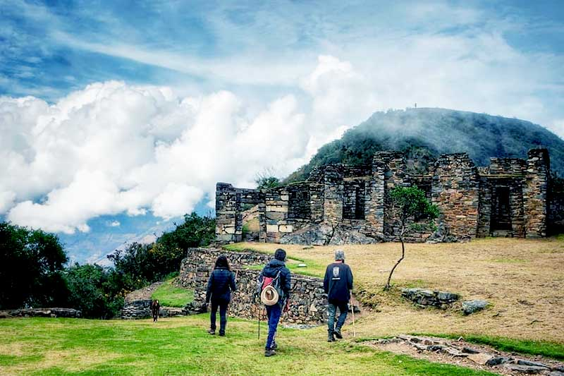 Tourists entering Choquequirao