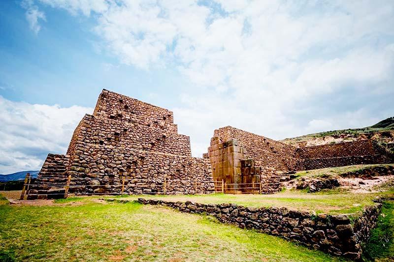 Rumiqolqa in Piquillacta