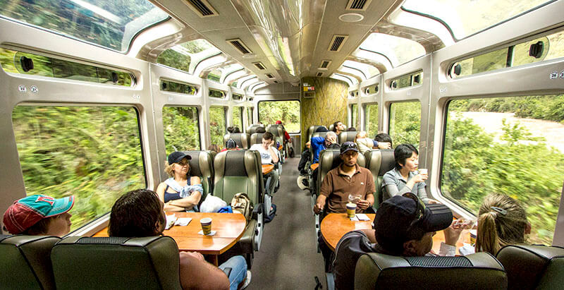 Tren vistadome Perurail