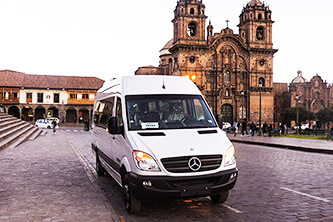 Transfer zum Hotel in Cusco Poroy