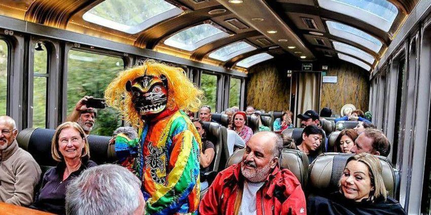 Serviço a bordo: ingresso de trem para Machu Picchu