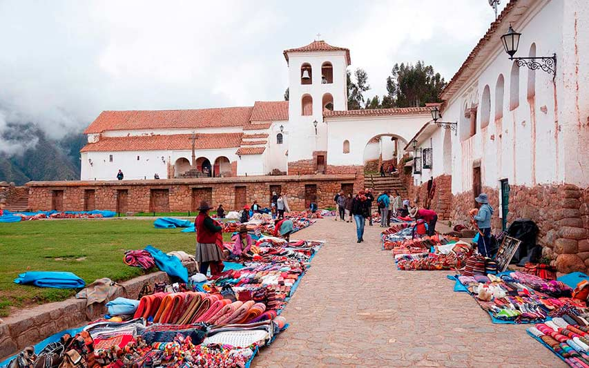 Feria artesanal de Chinchero