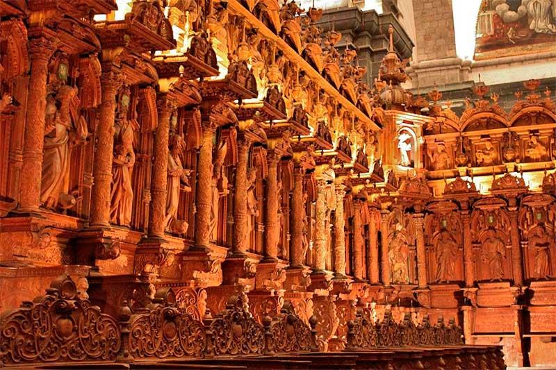 Interior de la Catedral del Cusco